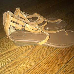 Thong short gladiator sandals